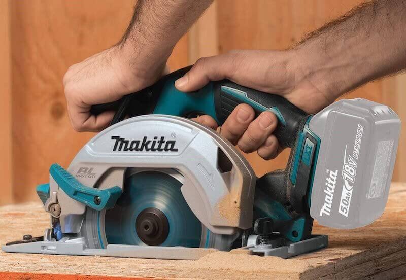 Mejores sierras circulares de Mano Makita – Calidad y Versatilidad